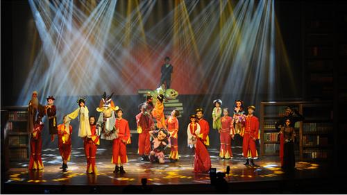 7月21日晚,曾获首届中国南充国际木偶艺术周最佳剧目奖的